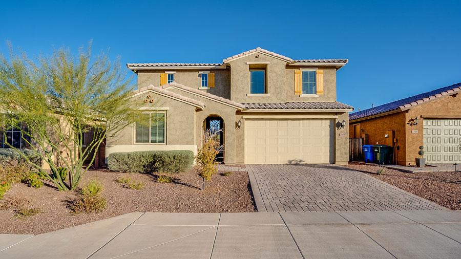 Stunning 5 Bedroom Home in Phoenix 85085